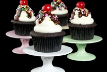 Cupcakes! / by Victoria Callas