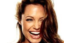 Sonrisas / Imágenes de los amigos mas celebres a su paso por nuestras clínicas.