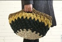 Crocheted + knitted bags / por Mercedes Galarce