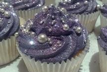 Cakes/Cupcakes/Cookies / by Lauren Bohannan
