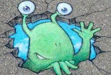 Street art / Street art, yarn bombing and guerilla gardening; occasional chalk art, urban projections and eyebombing / straat grafiek, guerillabreien & guerrilla tuinieren aangevuld met krijtkunst, stadsbeamerprojecties en oogjesplakken