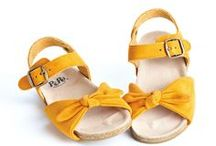 { little girls clothes and shoes }