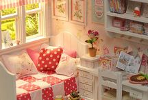 Dollhouse Furniture / Must have doll furniture for the dollhouse
