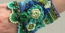 Mittens, gloves, cuffs & fingerless crocheted patterns / Crochet patterns for mittens gloves and gauntlets