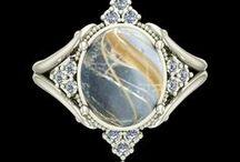 Inele / Inele din aur si cristale swarovski sau pietre pretioase naturale.