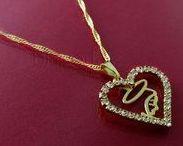 Biaportale - Jóias Lindas / Bijuterias e acessórios da moda. Anel, aliança de compromisso, aliança de casamento, anel com oração do Pai Nosso, corrente gargantilha folheada a ouro feminina, corrente masculina, pulseiras. Para artigos religiosos acesse: http://lista.mercadolivre.com.br/_CustId_139446845 ou Para alianças e acessórios acesse: http://lista.mercadolivre.com.br/_DisplayType_G_CustId_48058184_seller*id_48058184