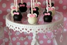 ✿ Cake Pops ✿ / by ♥ Debbie