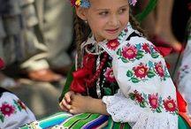 Polskie stroje ludowe (Polish folk costumes)