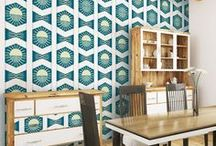 Mid Century Modern - wall decorations / Are you looking for some inspiration about decorating in the hottest home decor style? Check out those wall decor ideas!