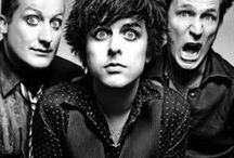 Bands / Green Day, Sex Pistols, Ramones, Bad Religion, Black Flag, Joan Jett and the Black Hearts, Crass, Buzzcocks, My Chemical Romance, The Adicts, Rancid, The Clash, Bad Brains, Dead Kennedys, NOFX, Misfits, Operation Ivy, The Interrupters, Dropkick Murphys, Anti-Flag, The Pretty Reckless, AFI, The Offspring, Social Distortion, The Exploited, Circle Jerks, Rise Against, Marilyn Manson, Bikini Kill, GBH, Muse, System of a Down, The Runaways, Pretty Vicious, Being Jane Lane, Bratmobile, David Bowie