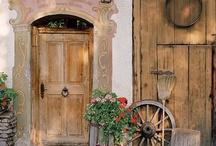 Entradas  /  entrance / doors