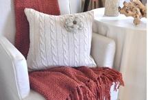 Pillows, Cushions & Blankets
