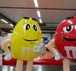 PLV Gonflable / Air et Volume est le spécialiste de la Publicité sur lieux de vente gonflable. Air et Volume vous propose un support de communication particulièrement efficace pour toucher le plus large public. Parfait pour la Théâtralisation de magasin !
