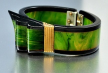 BAKELITE & CELLULOID JEWELRY & OBJECTS / by Ronni Rittenhouse