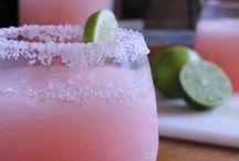 RECIPES {Drinks & Shakes} / by Kyli Roberts Hamrick