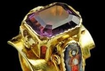 ANTIQUE & VINTAGE RINGS / by Ronni Rittenhouse
