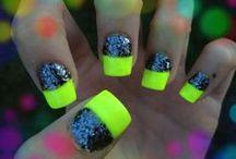 Nails ! / by Caitlin Zellner