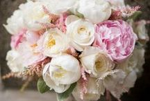 Bouquets & Boutineers / by RLE Charleston