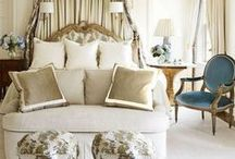 Bedroom Decor Ideas / Bedroom design, decorating and styling inspiration, tips and trends. Gorgeous interior design photography curated by Arianne Bellizaire.