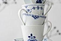 Tisch und Geschirr / Schön gedeckte Tische und schönes Geschirr liebe ich. Gerne auch farbenfroh, manchmal schlicht weiß und edel. Hier kommen meine gesammelten Ideen!