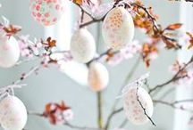 Easter Decorations / by Marianne de Bourg