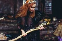 Miroir des fantomes.com  Art by Ekaterina Tardif / #ekaterinatardif #екатеринатардиф #handmadeshoes #обувьручнойработы #скульптура #модаручнойработы    #вышивка #драгоценныекамни #екатеринатардиф #altarart #paganart #ekaterinatardif #miroirdefantomes.com #darkart #witch #fantasy #magicart #magick #magic #handmadeitems #royalcouture #embroidery#boho #fantasycouture #gemstones #priestess