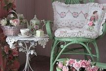 Shabby / by Sharon Ludwig