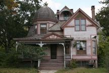 Architecture: Victorian, Queen Anne & Italianate / by Cecilia Richey
