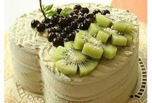 DESSERT DISCO: Cakes & Tortes / Cakes, cakes, and more cakes!