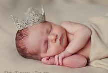 Maternity/Newborn/Family Pictures / by Lindsay Hill