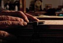 Edition de mobilier / Des pièces façonnées dans une ligne rigoureuse, fonctionnelle et ultra créative, du sur mesure.  Tout matériau est prétexte à des explorations, des récits, des contes.  Big Up à now artisans du Luberon.  http://www.mybazarisrich.com