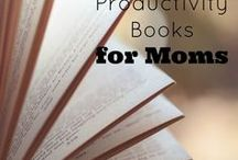 books on simplifying / books to help with decluttering, simplifying, minimalism, simplifying, parenting, kids, families