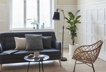 Canapele living / Living-ul tau duce lipsa de o altfel de canapea? Vrei sa iesi din tiparul clasic si living-ul tau sa fie intr-o nota mai personala? Avem noi cateva idei, ce zici?