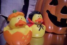 Halloween Hauntings / Costumes, Pumpkin Carvings, Halloween Decor and Foods / by Judy Warner