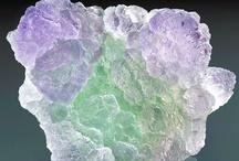 cristaleira e mineralidades / Crystals / by Cláudia Efe
