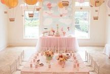 Hot Air Balloon Party Ideas / Rise above a mediocre party with the ideas for invitations, drinks, food, party cakes, printables, DIY and more Hot Air Balloon Party Ideas at karaspartyideas.com