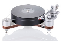 Clearaudio Innovation Wood Compact turntable / www.musicalsurroundings.com