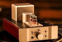Fosgate Signature Tube Headphone Amplifier / www.musicalsurroundings.com