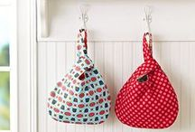 DIY Grocery Bags / This is a collection of bags & totes that can be used for grocery shopping, beach or play.