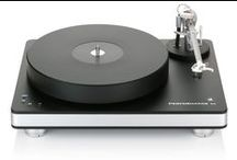 Clearaudio Performance DC turntable / www.musicalsurroundings.com