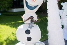Frozen Birthday Party Ideas / Disney's Frozen themed birthday party ideas! All the frozen party ideas, decorations, food, cake, printables, and more!