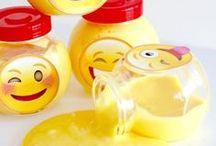 Emoji Party Ideas / DIY | Decoration | Birthday | Free Printable | Activities | Cake | Invitations | Food | Games | Girls | For Boys | Centerpiece