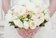 WEDDING FLOWERS / by Cynthia Dreier