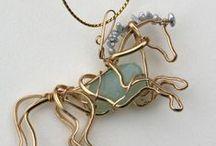 Šperky, dráty (Jewelry, Wires)