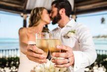Wedding at GRAN PORTO / #Romanza #RomanzaWedding #WeddingPhotography #GranPorto #PanamaJack #PlayaDelCarmen #RivieraMaya #WeddingIdeas #WeddingPhotos #WeddingBouquets #WeddingIdeas #WeddingDestination #WeddingResort #RomanzaLovers www.romanza.com.mx