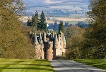 Glamis Proms / Picnic & outfit ideas for this year's Proms at Glamis Castle - fingers crossed for good weather!