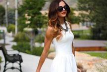 Dresses for Date Night / Feminine + Beautiful Dresses that are figure flattering