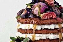 Wedding Cakes / Everybody loves cake  / by Alexandra Hayler