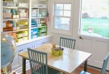 Homeschool Organization / Homeschool organization tips and tricks. Tours of homeschool rooms. Organization tools too!