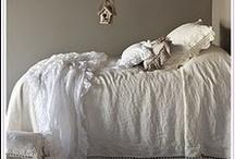 slaapt. / mooi voor in de slaapkamer.